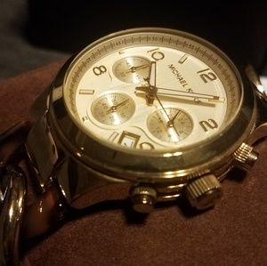 MK Chain Watch